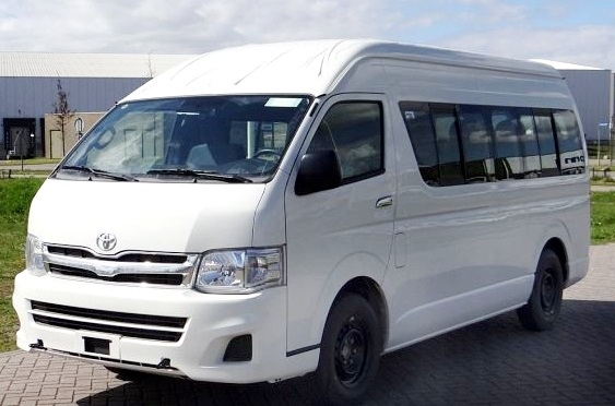 Kleinbus für bis zu 7 Personen